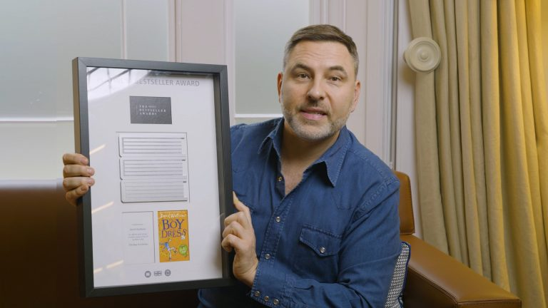 David Walliams Wins Platinum Bestseller Award for his book The Boy in the Dress